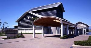 高知県立美術館